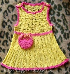 вязаный сарафан для девочки плюс маленькая сумочка