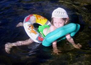летняя детская шапочка крючком